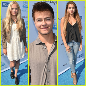 Lauren Taylor & Paris Berelc Mingle With Peyton Meyer at the Mattel Pier Party!