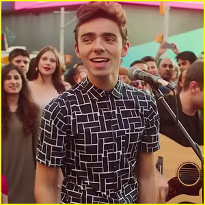 Nathan Sykes Performs 'Kiss Me Quick' Live in Times Square - Watch The Vid!