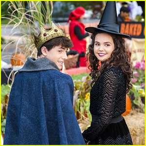 Bailee Madison Turns Into A Witch For 'Good Witch' Halloween Special