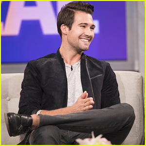 James Maslow Was Rushed By Fans In An Elevator!