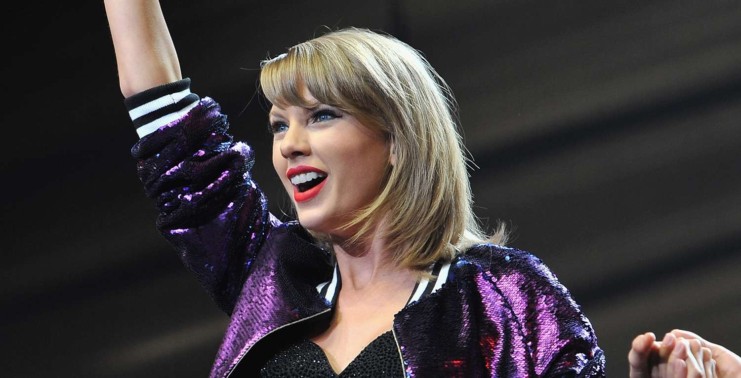 Taylor Swift Performs New Song ME on Graham Norton Show