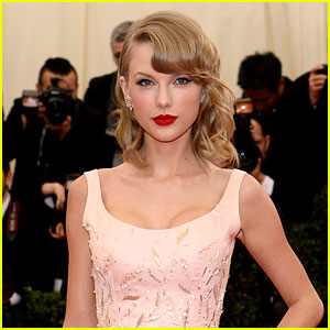 Taylor Swift Is Co-Hosting the Met Gala Next Year!