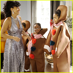 Zoey & Junior Are Gingerbread Men For The Johnson's Christmas Card On Tonight's 'black-ish'
