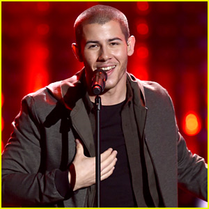 Nick Jonas Performs at AMAs 2015 - Watch His Performance Video!