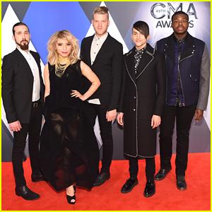 Pentatonix Cover The Oak Ridge Boys' 'Elvira' At CMA Awards 2015 - Watch Here!