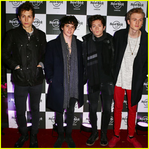 The Vamps Checks Out Pixie Lott in Concert!