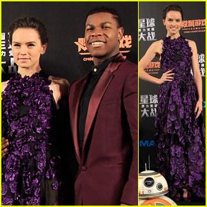 Daisy Ridley Premieres 'Star Wars' in China With John Boyega