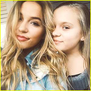 Lennon & Maisy Stella Sing 'Silent Night' On Instagram - Watch The Cute Vid!
