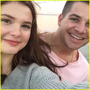 Stefanie Scott Wishes Fans 'Happy New Year' With Handwritten Letter - Read Now!