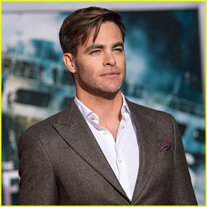 Chris Pine Is Definitely Open to a 'Princess Diaries 3'
