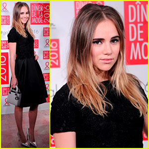 Suki Waterhouse Looks Perfect in Her LBD!