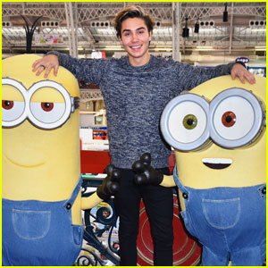 George Shelley Hits Up London's Toy Fair!