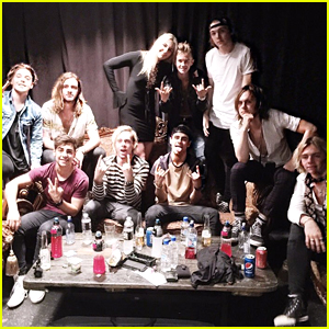 R5 Wraps Up Australian Tour Dates With Jack & Jack; Shares Epic Photo