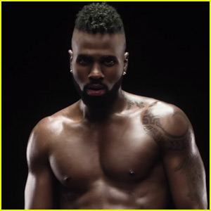 Jason Derulo Goes Shirtless in Music Video for 'Naked'