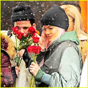 Kylie Jenner Carries Red Roses After Valentine's Day With Tyga