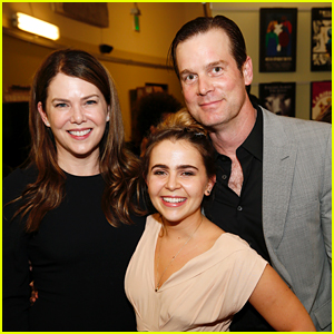 Mae Whitman Gets Support From 'Parenthood' Co-Stars at Play Opening!