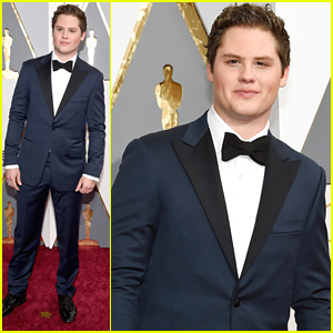 Matt Shively Suits Up For Oscars 2016