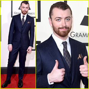 Sam Smith Gives Two Big Thumbs Up at the Grammys 2016!