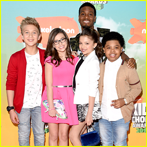 'Game Shakers' Cast Tackles a Real Life Video Game at Kids Choice Awards 2016
