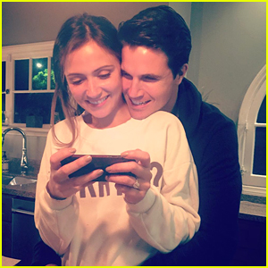 Robbie Amell Talks Wedding To Italia Ricci: 'She Freaked Out Over Victor Garber Coming'