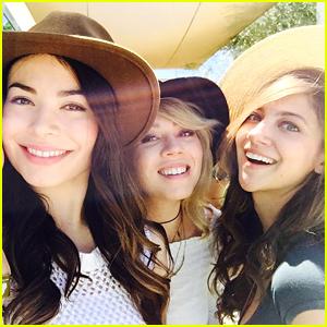 Miranda Cosgrove & Jennette McCurdy Hit Coachella 2016 Together - See The Pics!