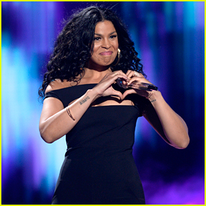 Jordin Sparks Sings 'No Air' with Justin Guarini at 'American Idol' Finale (Video)