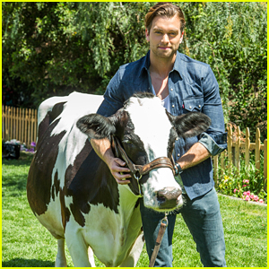Pierson Fode Milks A Cow on 'Home & Family'
