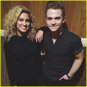 Tori Kelly & Hunter Hayes Reunite & Wow With Acoustic 'Wanted' Duet