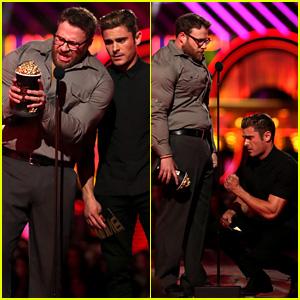Zac Efron & Buff Seth Rogen Present at MTV Movie Awards 2016!
