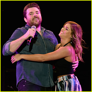 Cassadee Pope Performs With Chris Young at Stagecoach 2016
