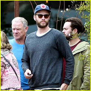 Liam Hemsworth Meets Family & Friends for Mid-Week Lunch