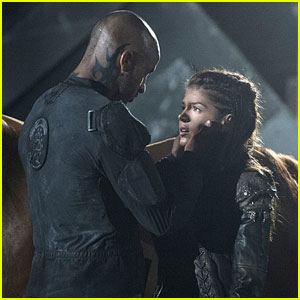 The 100's Marie Avgeropoulos Dishes on Lincoln's Death & Octavia's 'Dark' Future