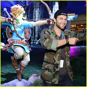 Keegan Allen & Kira Kosarin Get A Peak At New Zelda Game at E3 Gaming Convention