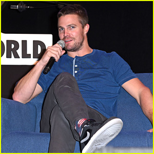 Stephen Amell Talks CW Four Night Crossover News!