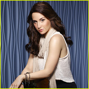Allison Scagliotti Heads to 'Vampire Diaries' In Recurring Role; Tells Fans Don't Worry About 'Stitchers'