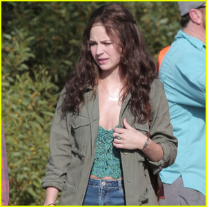 Britt Robertson Films Some Scenes for 'Girlboss'