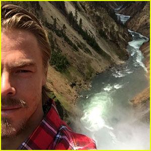 Derek Hough Visits Three National Parks in Three Days, Documents it on Snapchat!