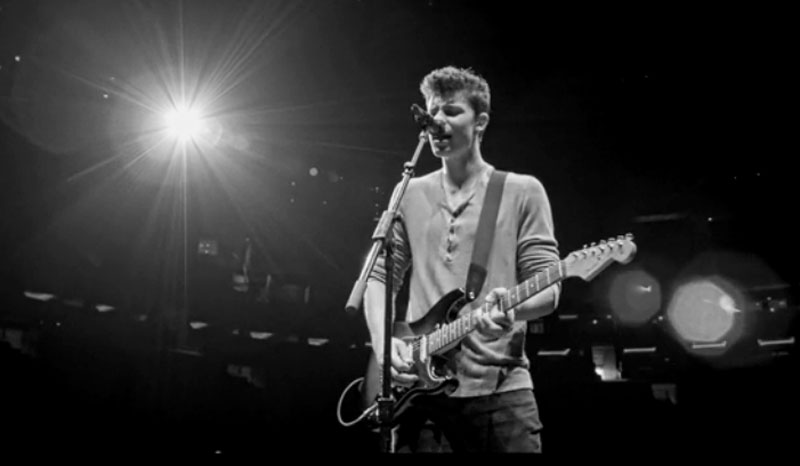 Shawn mendes ruin video previews his msg show watch now shawn mendes video just jared jr for Shawn mendes live at madison square garden