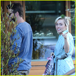 Miley Cyrus Adds a New Dog to Her Family!