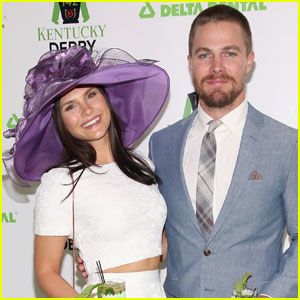 Stephen Amell Has No Time for Trolling Fan