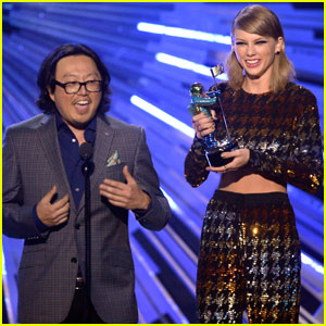 Taylor Swift's 'Bad Blood' Video Director Tweets His Support For Her