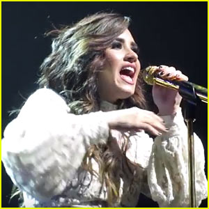 Demi Lovato Performs Aretha Franklin's 'Natural Woman' While On Tour! (Video)