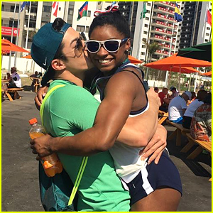 Simone Biles Gets Cute Kiss From Arthur Nory After Gymnastics Gala