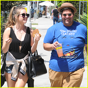 Brec Bassinger & Harvey Guillen Lunch Out in Larchmont