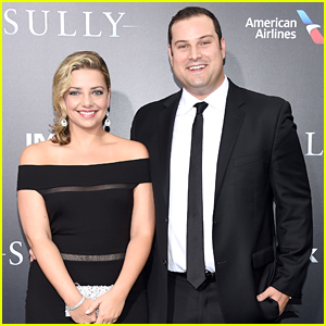 Max Adler & Wife Jennifer Step Out For 'Sully' Premiere in NYC