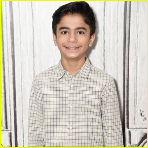The Jungle Book's Neel Sethi Talks About Playing Football With Bill Murray!