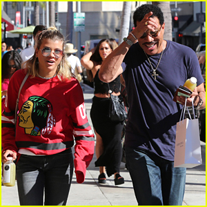 Sofia Richie Hangs With Dad Lionel in Los Angeles