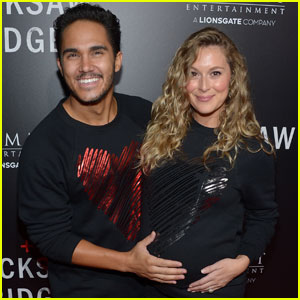 Carlos & Alexa PenaVega Are Cute Soon-to-Be Parents at 'Hacksaw Ridge' Premiere
