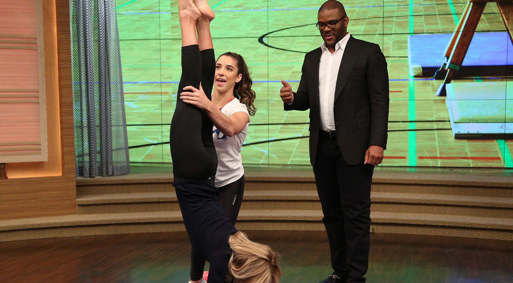 Aly raisman teaches kelly ripa some gymnastics moves video