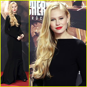 Danika Yarosh Stuns at 'Jack Reacher' Berlin Premiere